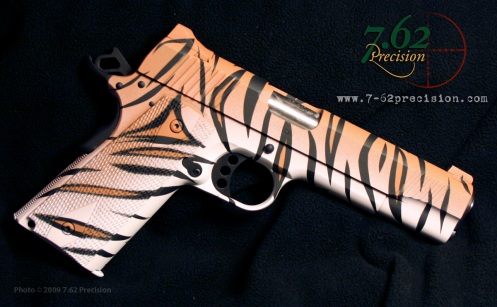 Siberian Tiger pattern on Kimber 1911